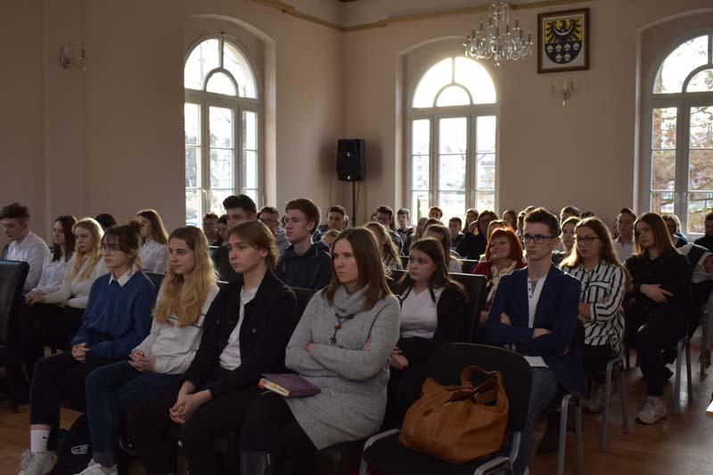 Samorządność młodzieży- czyli jak decydować o wspólnych sprawach?