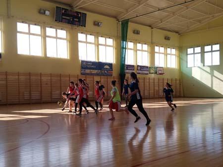 Nasze dziewczęta najlepsze w piłce koszykowej